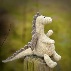 Tarragon the Gentle Dragon - Free Pattern (Beautiful Skills - Crochet Knitting Quilting), Knitting Dolls Free Patterns, Knitted Dolls Free, Crocheted Toys, Drops Design, Loom Knitting, Baby Knitting, Knitting Toys, Trendy Baby, Amigurumi Free