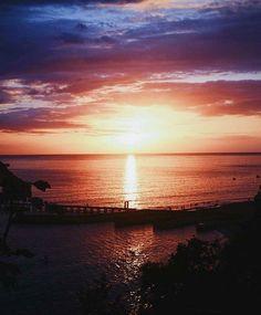 From @whateverpuertorico #atardecer #crashboat #puertorico #whateverpr #whateverpuertorico #conservatuislalimpia #llévatetubasura Foto por:@cesar_cp3 | Taguea' Experience the beauty follow us. #puertorico #puertoricodoesitbetter #daytripperspr #puertoricogram #puertoricobound #puertoricolife #puertoricolohacemejor #puertoricoeats #puertoricovacation #prvacationclub #instagood #follow #photooftheday #beautiful #happy #love #picoftheday #summer #fun