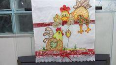 Pintado com patch aplique,barra com tecido e bordado inglês.tenho outras estampas R$ 20,00