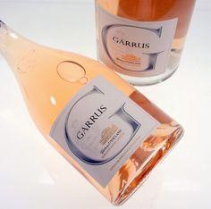 Chateau D'Esclans 2013 Uvas: Garnacha y Rolle (Vermentino). De estilo puro y sin adornos con notas a melocotón blanco y cerezas; elegante y listo para beber. Siempre delicioso. Disponible @ La Boutique Du Vin.