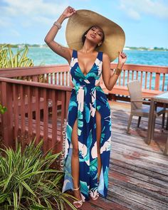 Chic Couture Online, Diva Fashion, Ankara Styles, Dress Codes, What To Wear, Style Me, Celebrity Style, Wrap Dress, Classy