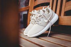 Mens/Womens Nike Shoes 2016 On Sale!Nike Air Max Nike Shox Nike Free Run Shoes etc. of newest Nike Shoes for discount sale New Nike Shoes, Men's Shoes, Shoes 2016, Nike Roshe Two, Shoe Sites, Fashion Advertising, Latest Sneakers, Nike Shox, Hiking Shoes