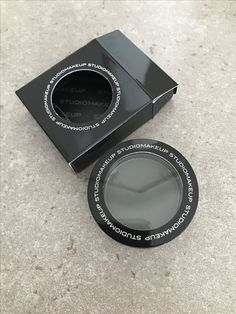 Studio Makeup Eyeshadow in Jungle Green - Brand New - $6 stamp shipped