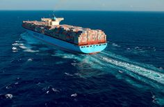 Emma Maersk Maersk Line, Marine Engineering, Sea Crafts, Business And Economics, Best Sites, Cool Websites, Paddle, Denmark, Construction