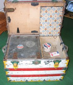 YESTERDAY'S TOWNS: CIRCUS TRUNKS #3: SOLD TO THE HIGHEST BIDDER