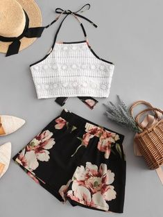 Lace Panel Knotted Back Elephant Floral Print Shorts Set Sleeveless Crop Top Women Halter Vintage Two Pieces Sets Teen Fashion Outfits, Outfits For Teens, Fashion Clothes, Trendy Fashion, Cute Summer Outfits, Cool Outfits, Pretty Outfits, Casual Dresses, Casual Outfits