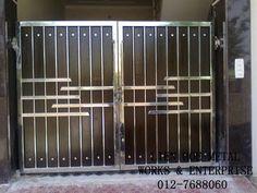 Steel Gate, स्टील गेट in Mithapur Road, Jalandhar , Batra Steels Home Gate Design, Grill Gate Design, House Main Gates Design, Steel Gate Design, Front Gate Design, Window Grill Design, House Design, Front Gates, Entrance Gates
