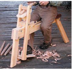 este não é uma ferramenta usual dos brasileiros mas de repente alguem quer exercitar com ele. Cavalete de alisamento,(shaving horse), é usad...