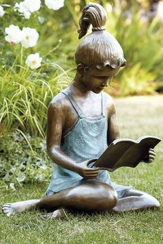 z- Girl Sitting on Grass, Reading (Bronze Statue) Magic Garden, Garden Art, Garden Whimsy, Garden Junk, Garden Sheds, Glass Garden, Garden Design, Reading Art, Woman Reading