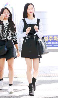 Fashion Idol, Pop Fashion, Womens Fashion, Airport Fashion Kpop, Jang Yeeun, Yu Jin, Clc, Korean Outfits, Airport Style