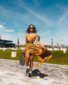 Coachella Camping, Coachella Festival, Girl Outfits, Fashion Outfits, Dire, Week End, Wonder Woman, Celebrities, People