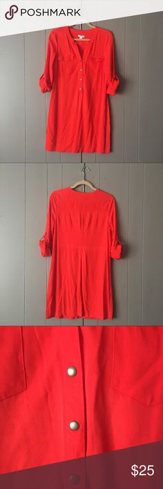 "Beautiful Red V-neck Shirt Dress✨LIKE NEW✨ This dress is so soft and comfy! Can easily be dressed up or down. Roll table sleeves. Button down. 100% Rayon. Bust is 36"" (armpit to armpit is 18""). Length is 35"". Old Navy Dresses"