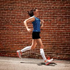 To maximize energy and performance, try wearing a pair of #Therafirm Core-Sport compression #legsleeves while you run. They also help to reduce muscle fatigue so you can run that last mile. Shop now: www.brightlifego.com  #BrightLifeGo #compression #calfsleeves #running #cardio #getfit #training #recovery #workout #cantstopwontstop #runner #marathon #race #triathlon #fitfam #jogging #crossfit #fitness #progress #trackandfield #nopainnogain #athletic #track #healthy #gym #sports #runners…