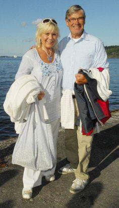 Christina Scollin and Hans Wahlgren     Both are actors.   Hans Wahlgren was born in Helsingborg