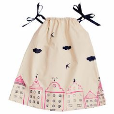 le petit mamouth - nice take on the pillowcase dress Little Girl Fashion, Little Girl Dresses, Toddler Fashion, Kids Fashion, Girls Dresses, Summer Dress, Baby Sewing, My Baby Girl, Kind Mode