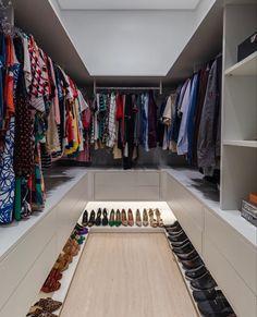 Wardrobe Room, Wardrobe Design Bedroom, Bedroom Closet Design, Master Bedroom Closet, Room Ideas Bedroom, Home Room Design, Dream Home Design, Home Interior Design, Closet Renovation