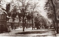 The beauty of Bournville shopping in How lovely it would be to walk down here.Last time Birmingham England, West Midlands, Working Class, World History, Historical Photos, Prague, 1980s, United Kingdom, Centre