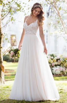 Dream Wedding Dresses Lace 6555 Soft and Romantic Boho Wedding Dress by Stella York.Dream Wedding Dresses Lace 6555 Soft and Romantic Boho Wedding Dress by Stella York Colored Wedding Gowns, Boho Wedding Dress, Boho Dress, Wedding Dresses Stella York, Flowy Wedding Dresses, A Line Wedding Dress Sweetheart, Lace Evening Dresses, Casual Wedding, Evening Gowns