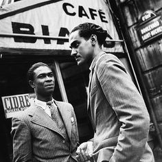 Foreign students in the Latin quarter of Paris , 1938 - Image by Dutch photographer Emmy Andriesse