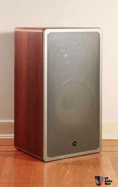 656956-vintage_braun_l830_3way_speakers_designed_by_dieter_rams.jpg 484×768 pixels