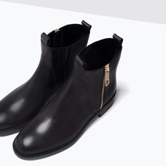 "BASIC LEATHER ANKLE BOOTS from Zara    Ref. 3107/001  999,900 IDR  Height of heel 2,6 cm. / 1,02""  Must have!"
