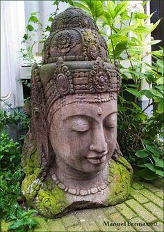 Buddha Sculpture, Sculpture Art, Sculptures, Buddha Buddhism, Buddha Art, Zen Meditation, Balinese Garden, Buddha Painting, Garden Statues