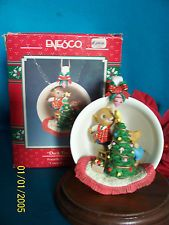 treasury of christmas enesco ornaments   Enesco Ornament 1990 Deck the Halls 4'th in the Cozy Cup Series