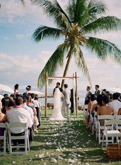 style me pretty - real wedding - usa - hawaii - maui - lahaina wedding - olowalu plantation house - bride & groom - ceremony