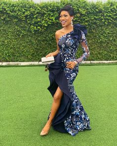 Elegant collection of latest ankara aso ebi styles 2019 for african ladies Diyanu Fashion African Lace Styles, African Lace Dresses, Latest African Fashion Dresses, African Print Fashion, Traditional Dresses Designs, African Traditional Dresses, Traditional Outfits, Style Africain, Aso Ebi Styles