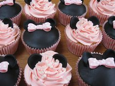 Pink Mini Mouse Cup Cakes