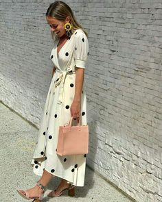 Stylish wedding guest dresses that are sure to impress Fashion Kids, Look Fashion, Street Fashion, Womens Fashion, Fashion Trends, Summer Outfits, Cute Outfits, Mode Hijab, Look Chic