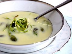 Aspargessuppe på friske asparges | foodfanatics opskrifter