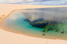 Lençóis Maranhenses  A melhor época para ir é entre julho e setembro - época das chuvas - onde a água se acumula entre as dunas.