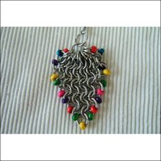 Easter Basket Chain Maille Necklace Jewelry Making Tutorial T111 jump rings: http://www.ecrafty.com/c-201-jump-rings-split-rings.aspx
