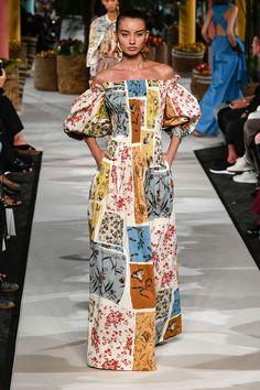 Fashion Week, Fashion 2020, Fashion Addict, Fashion Show, Fashion Design, Vestidos Flowy, Day Dresses, Summer Dresses, T Dress