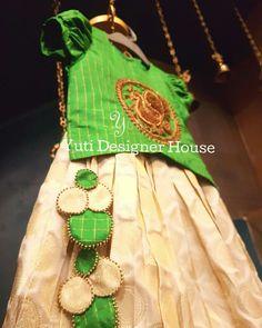 Latkans for dress Saree Tassels Designs, Saree Kuchu Designs, Kids Blouse Designs, Saree Blouse Neck Designs, Kurti Neck Designs, Kids Ethnic Wear, Kids Lehenga, Stylish Blouse Design, Kids Frocks