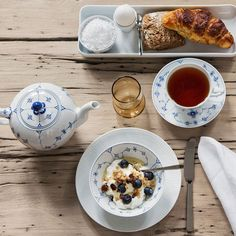 Royal Copenhagen – Purveyor to Her Majesty the Queen of Denmark since Manufacturer of hand painted porcelain in dinnerware, figurines, collectibles. Royal Copenhagen, Her Majesty The Queen, Christmas Brunch, China Patterns, Morning Food, Danish Design, High Tea, Afternoon Tea, Dinnerware