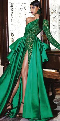One of the most noticeable ways to incorporate green is to choose wedding dresses of this color. Green wedding dresses are just as gorgeous as white gowns on a bride's wedding day. Evening Dresses, Prom Dresses, Formal Dresses, Green Evening Gowns, Bride Dresses, Couture Dresses, Fashion Dresses, Green Wedding Dresses, Look Fashion