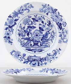 This is a fabulous floral pattern on a traditional rimmed soup plate. Blue And White China, Blue China, Dish Display, Willow Pattern, Soup Plating, White Dishes, China Patterns, My Favorite Color, China Cabinet
