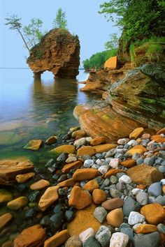 Apostle Islands, Sea Stack. The Apostle Islands National Lakeshore is a U.S. national lakeshore consisting of 21 islands and shoreline encompassing 69,372 acres on the northern tip of Wisconsin on the shore of Lake Superior. #yankinaustralia #usa