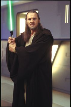 Still of Liam Neeson in Star Wars: Episode I - The Phantom Menace (1999)