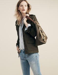 Madewell All-Weather Outbound jacket worn with the Skinny Skinny Crop jeans and the Transport Tote.