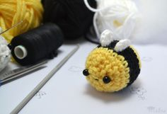 Get ready for spring with this cute crochet amigurumi bee by MoHu.