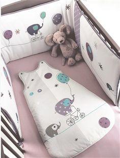 le lit pour les nuits de ma pepette avec des couleurs douces pour la bercer et la detendre