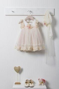 Προβολή λεπτομερειών για το Βαπτιστικό Φόρεμα Bambolino Dalia Vintage Baby Dresses, 4 Kids, Girl Nursery, Christening, Flower Girl Dresses, Wedding Dresses, Fashion, Lights, Princesses