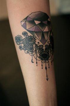dodie tattoo 15 Elementos florais e renda nas tatuagens da francesa Dodie