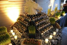 Display & Food by Beyond Details (photo by Emma Steinmetz Photography)