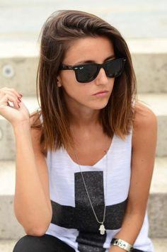 Aktuelle Mädchenfrisuren für Haare der mittleren Länge