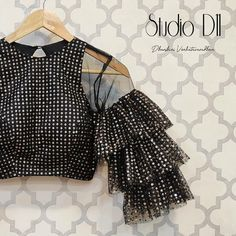 Netted Blouse Designs, Blouse Designs High Neck, Kids Blouse Designs, Saree Blouse Designs, Dress Designs, Hand Designs, Sleeve Designs, Sari Blouse, Blouse Outfit