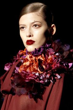 Gucci Fall 2011 RTW Organza Embroidered With Hand Painted Flowers Neck Piece Profile Photo